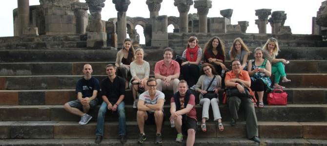 Cu sau fara Radio: Yerevan.