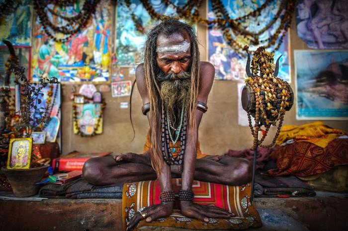 Sursa foto: http://alessandrovannucci.com/wordpress/gallery/sadhu/