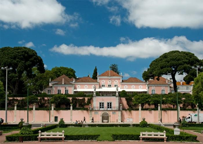 Palatul Belem. Sursa foto: http://www.trekearth.com/gallery/Europe/Portugal/South/Lisboa/Lisboa/photo1203554.htm
