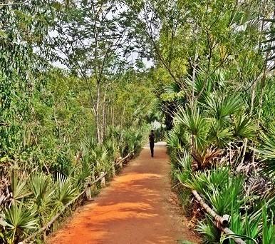 Intrarea in Auroville. Foto: Laura Postelnicu