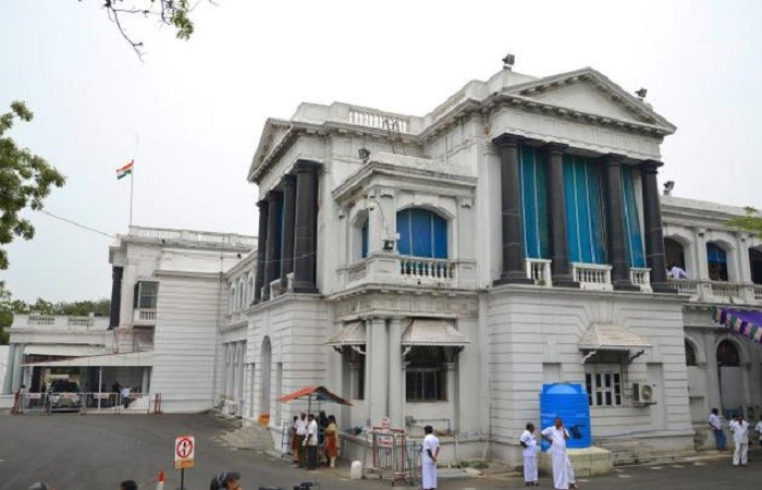 Sursa: http://hosuronline.com/wp-content/uploads/2013/11/Fort-St-George-Chennai.jpg