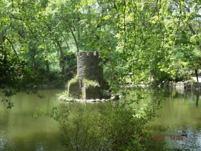 lac in parcul palatului (Medium)