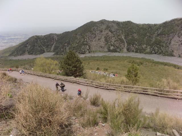 Traseul de urcare catre Vezuviu