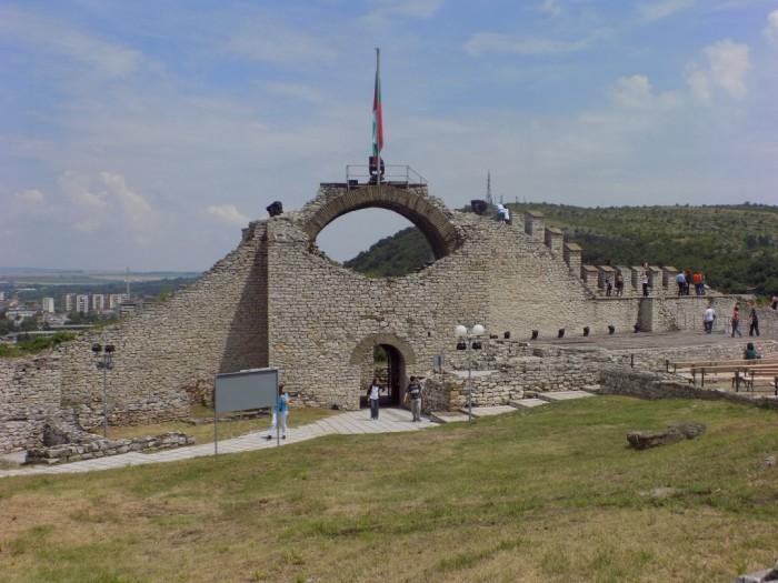 Poarta de acces in cetate, vazuta din interior