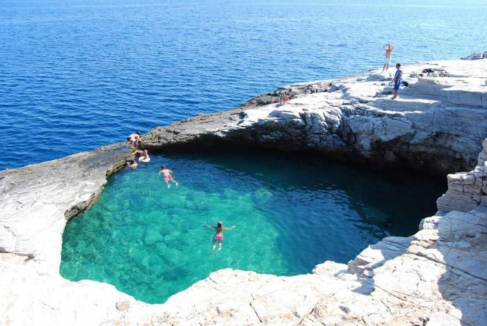 Sursa foto: www.hotelpotos.com