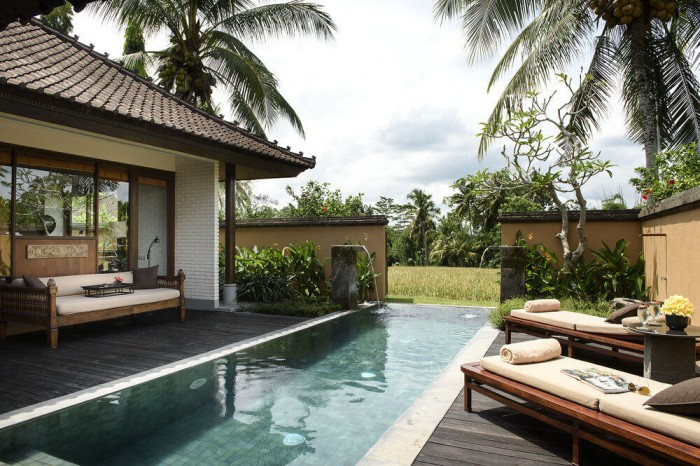 chedi-club-tanah-gajah-piscina