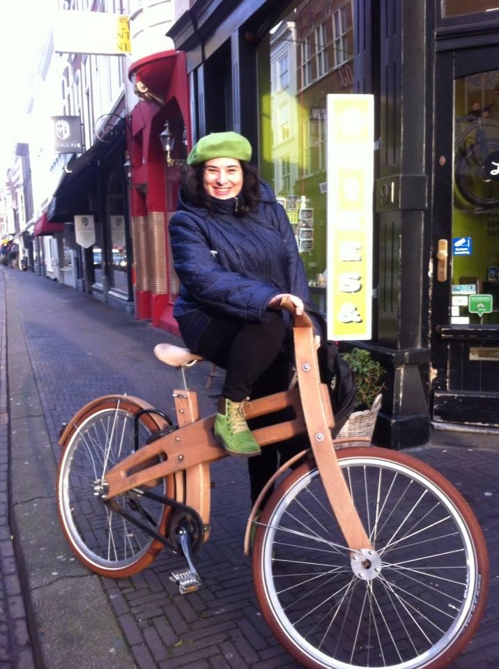 cu bicicleta in haga