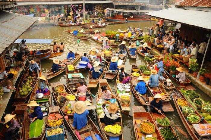 Piata plutitoare din Damnoem